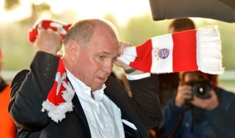 Bayern boss Uli Hoeneß resigns and heads to jail