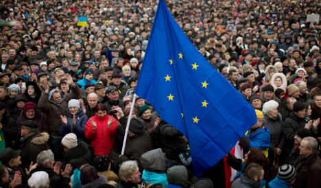 Sweden pledges urgent loans to Ukraine
