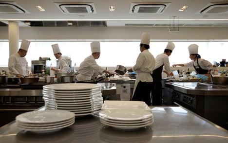 'Foreign staff benefit from restaurant VAT cut'