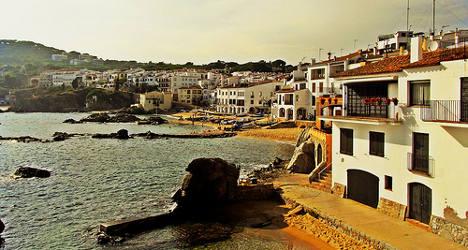 Quake rattles coast of Spain's Catalonia region