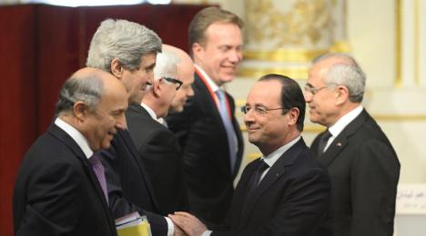 West meets Russia in bid to resolve Ukraine crisis