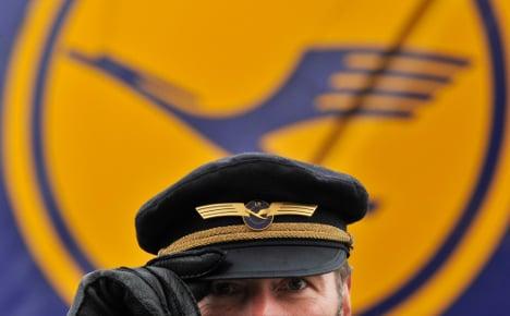 Lufthansa pilots vote for imminent strike