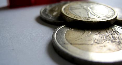 Italy's public debt hits record 132.6 percent