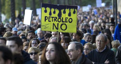 Seach for oil threatens marine wonderlands