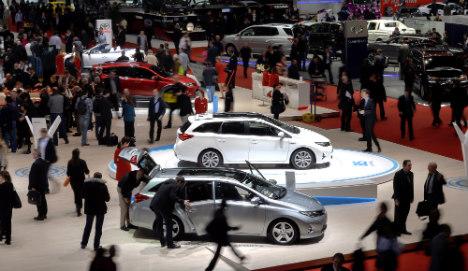 Geneva car show looks to turn corner on crisis