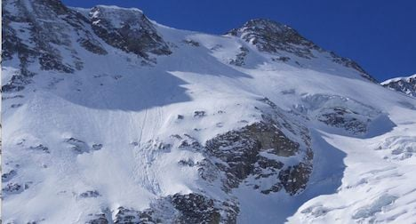 Heli-skiing guide and woman die in avalanche