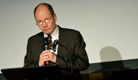Nobel body slams Merc over poem 'grave theft'