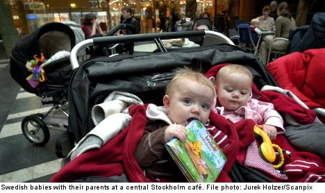 Swedish dads to share in child benefit spoils