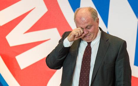 Fans stick by Bayern boss despite jail threat