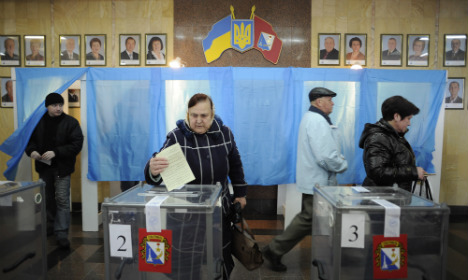 Bildt: Crimea referendum illegal 'whatever result'