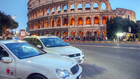Rome taxi driver returns €14k to Russian tourist