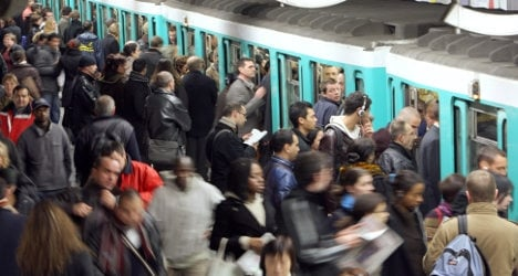 Paris Metro: 13 stations close for Chinese leader
