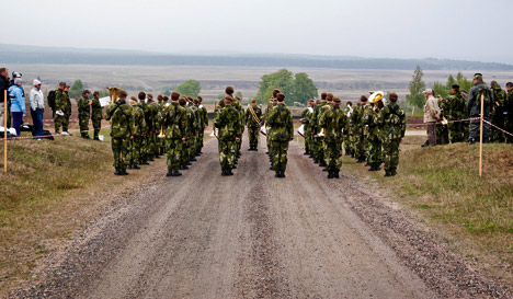 Swedes swarm to join the home guard