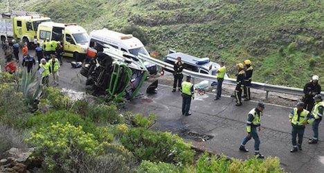 Bus crash in Canaries 'kills Swiss tourist'