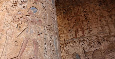 Italians help unearth pharaonic era tomb