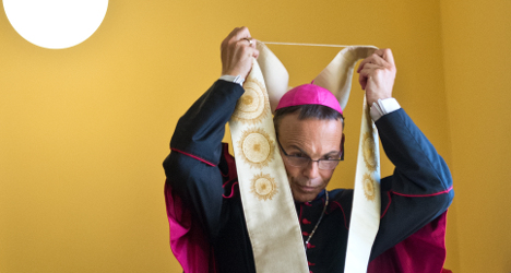 Pope accepts resignation of German 'bling bishop'