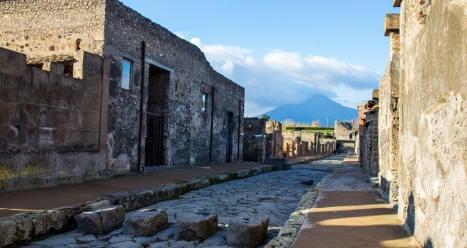 Pompeii crumbles after heavy rain