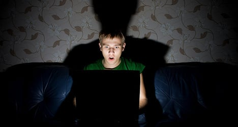 Popular download site pulls plug on free movies