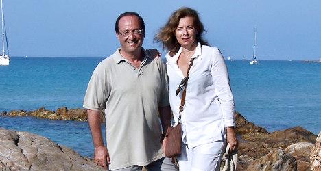 Closer pays Hollande's ex €12,000 over bikini snaps
