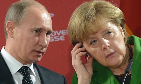 Merkel and Putin discuss Ukraine in phone call