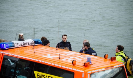 Child dies in Rhine, rescuer also feared dead