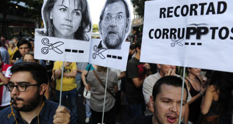 Spain calls in experts as corruption crisis grows