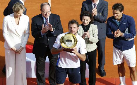 Wawrinka defeats Federer in all Swiss final