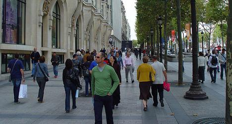 French minister backs sunday shop openings