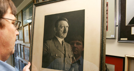 Paris bans Hitler auction after Jewish protest