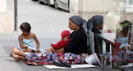 Paris cops told to 'purge' Roma from posh area