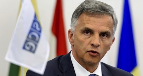 Burkhalter urges release of Ukraine observers