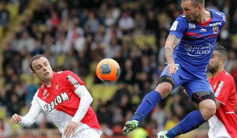 Berbatov brilliance for Monaco makes PSG wait