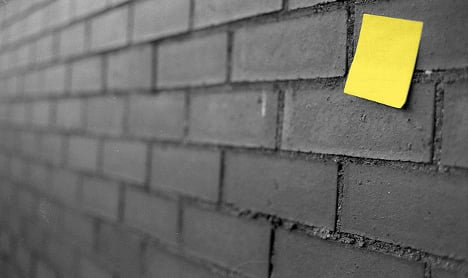 Desperation Post-it saves wife from abusive man
