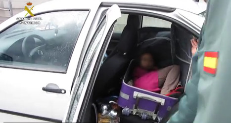 Dad smuggles girl into Spain in suitcase