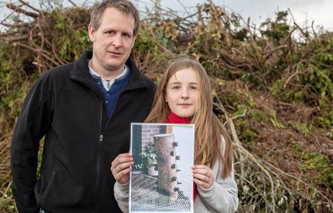 Girls find live munition in Easter bonfire