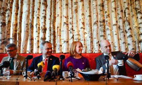 Alliance lambasts opposition's lack of unity