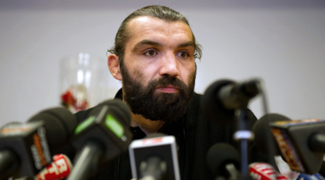 French rugby legend Chabal set to retire