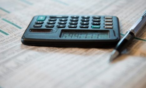 Tax-return stragglers told to hurry up