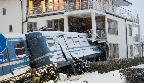 Stockholm train crash 'not the cleaner's fault'