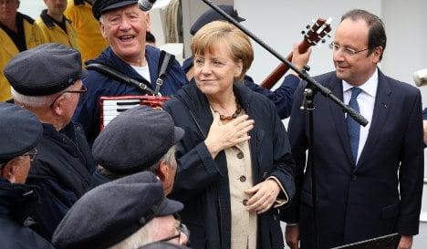 Merkel welcomes Hollande on 'Europe Day'