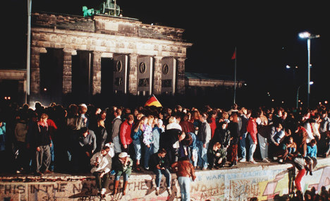 German reunification bill hits €2,000,000,000,000