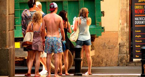 Spanish city to fine shirtless tourists €600