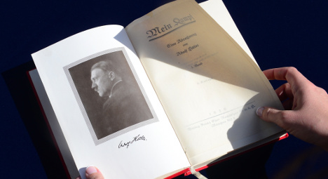 Mein Kampf sale pulled by French auction house