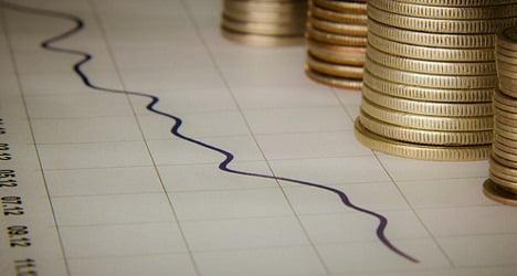 Italy's borrowing costs fall below 3 percent