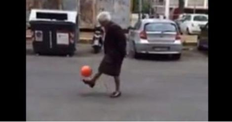 Italian football-playing 'granny' goes viral