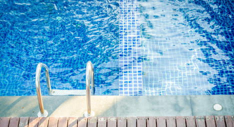 Venice pool bans men to integrate Muslims