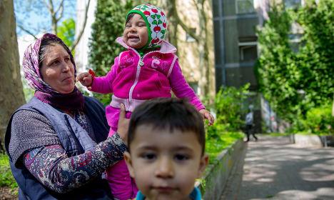 Parliament plans asylum law change