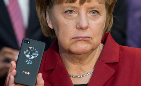 Top prosecutor probes US spying on Merkel