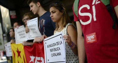 Catalan parliament calls for vote on republic
