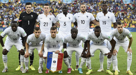 France top group after draw with Ecuador